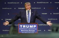 U.S. Republican presidential candidate Donald Trump speaks at a rally in Norcross, Georgia October 10, 2015.   REUTERS/Tami Chappell