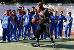 Lamar Odom durante evento em escola na China.  10/10/2012   REUTERS/David Gray