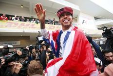 Hamilton comemora título da Fórmula 1 em Austin, Texas.  25/10/15. Reuters/Action Images/Hoch ZweiLivepic