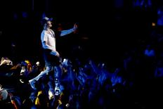 Singer Justin Bieber performs on stage during a mini concert in Oslo, October 29, 2015. REUTERS/Heiko Junge/NTB Scanpix