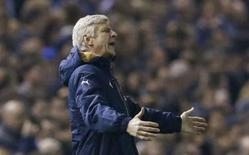 Técnico do Arsenal, Arsene Wenger, durante partida contra o Sheffield, na Inglaterra.  27/10/2015  Action Images via Reuters / Lee Smith Livepic