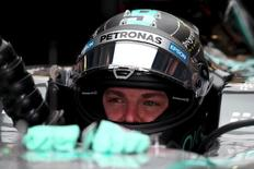 Mercedes Formula One driver Nico Rosberg of Germany prepares to take part in the first practice session of the Mexican F1 Grand Prix at Autodromo Hermanos Rodriguez in Mexico City, October 30, 2015. REUTERS/Edgard Garrido