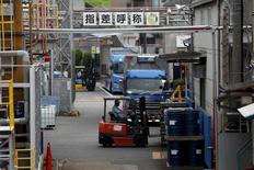 La croissance du secteur manufacturier japonais a connu en octobre son rythme le plus soutenu en un an, à la faveur d'une accélération des prises de commandes, aussi bien en provenance du marché intérieur que de l'international. /Photo d'archives/REUTERS/Issei Kato