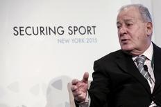 Chefe do comitê de reforma da Fifa, François Carrard, durante evento de segurança no esporte em Nova York, nos Estados Unidos, nesta terça-feira. 03/11/2015 REUTERS/Andrew Kelly