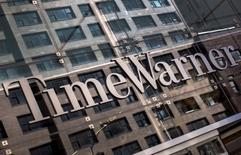 Time Warner a confirmé ses objectifs annuels mercredi après avoir annoncé un chiffre d'affaires et un bénéfice trimestriels supérieurs au consensus grâce à une hausse des abonnements de la chaîne câblée HBO et à une croissance du revenu des licences de la filiale Warner Bros.  Le C.A. de Time Warner a atteint 6,56 milliards de dollars au troisième trimestre contre 6,24 milliards, en hausse de 5,1%. /Photo d'archives/REUTERS/Mike Segar