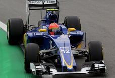 Sauber Formula One driver Felipe Nasr of Brazil powers his car during the second free practice of the Brazilian F1 Grand Prix in Sao Paulo, Brazil, November 13, 2015.  REUTERS/Paulo Whitaker