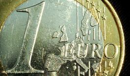 Les prix à la consommation dans la zone euro ont augmenté de 0,1% en rythme annuel en octobre. /Photo d'archives/REUTERS/Peter Macdiarmid