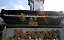 Un hotel Marriott, en Singapur, 30 de de diciembre de 2005. Marriott International Inc comprará al dueño de Sheraton, Starwood Hotels & Resorts Worldwide Inc, en un acuerdo en efectivo y acciones valorado en 12.200 millones de dólares, para crear la mayor cadena hotelera del mundo. STR New / Reuters