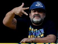 Diego Maradona durante partida entre Boca Juniors e Quilmes, em Buenos Aires. 18/07/2015     REUTERS/Marcos Brindicci