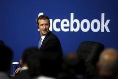 CEO do Facebook, Mark Zuckerberg, durante encontro com primeiro-ministro indiano, Narendra Modi, na sede do Facebook em Menlo Park, nos Estados Unidos, em setembro. 27/09/2015 REUTERS/Stephen Lam