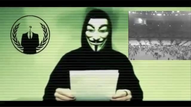 11月16日、国際ハッカー集団「アノニマス」は、パリで起きた同時多発攻撃を受け、過激派組織「イスラム国」に対し大規模なサイバー攻撃を仕掛けるとするビデオ声明を発表した。写真は投稿されたビデオから(2015年 ロイター)