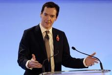 Ministro das Finanças britânico, George Osborne,  em Londres. 11/11/2015 REUTERS/Suzanne Plunkett