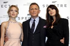 "Actors  Lea Seydoux, Daniel Craig and Monica Bellucci (L-R) pose for photographers on the red carpet at the French premiere of the new James Bond 007 film ""Spectre"" in Paris, France, October 29, 2015. REUTERS/Benoit Tessier"