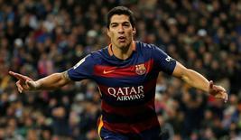 Luis Suarez celebrates after scoring the fourth goal for Barcelona. Reuters / Sergio Perez