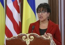 U.S. Commerce Secretary Penny Pritzker, accompanied by Ukraine's President Petro Poroshenko (not pictured), speaks during a news briefing in Kiev, Ukraine, October 26, 2015. REUTERS/Valentyn Ogirenko