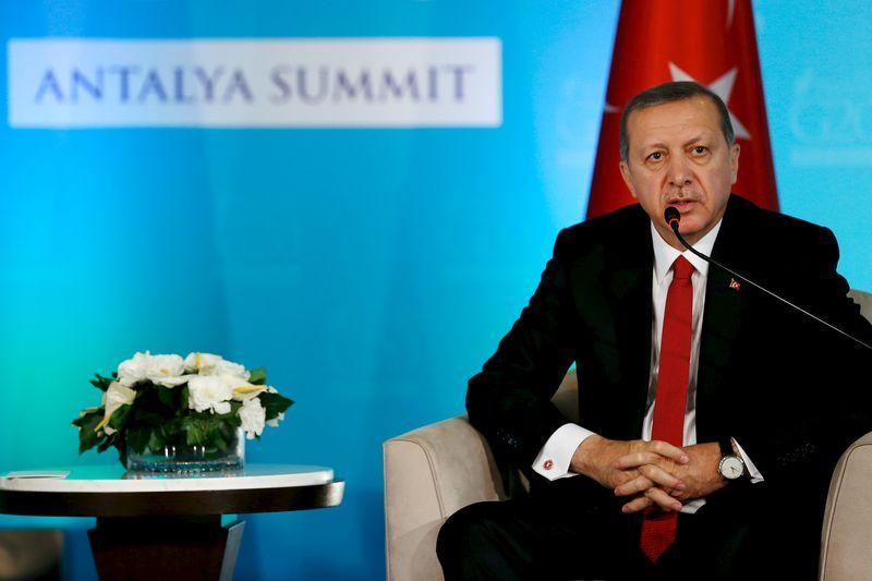 إردوغان يتحدى من يتهم تركيا بشراء نفط من الدولة الإسلامية إثبات ذلك