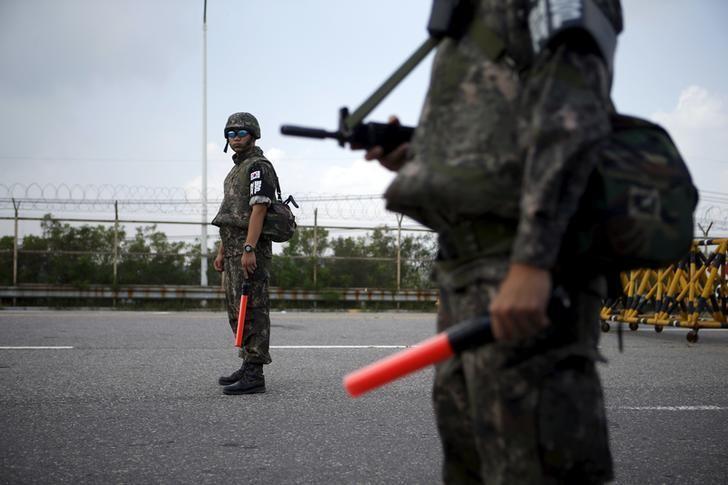الكوريتان تعتزمان عقد مزيد من المحادثات لتحسين العلاقات بعد مواجهة مسلحة