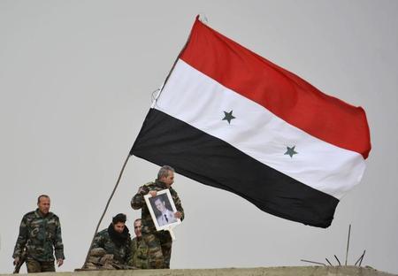 رويترز: التلفزيون السوري: الجيش ينتزع أراضي من الدولة الإسلامية في حلب ?m=02&d=20151128&t=2&i=1098298582&w=450&fh=&fw=&ll=&pl=&sq=&r=LYNXMPEBAR06H