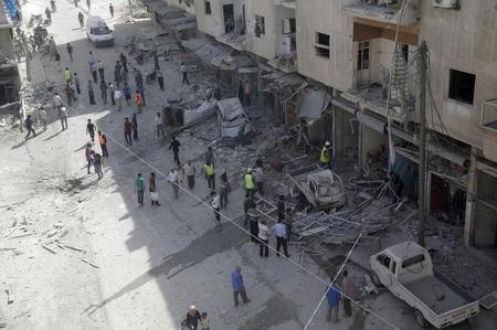المرصد: غارات روسية تقتل 18 على الأقل بشمال غرب سوريا ?m=02&d=20151129&t=2&i=1098452418&w=450&fh=&fw=&ll=&pl=&sq=&r=LYNXMPEBAS08I