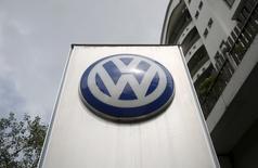 La filiale indienne de Volkswagen a annoncé vendredi le rappel volontaire de toutes ses voitures équipées de moteurs diesel EA189 dans le pays, soit 323.700 véhicules. /Photo prise le 22 septembre 2051/REUTERS/Shailesh Andrade