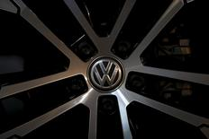 A logo of Volkswagen is seen on a wheel of a Golf car parked at a dealership in Seoul, South Korea, November 25, 2015.  REUTERS/Kim Hong-Ji