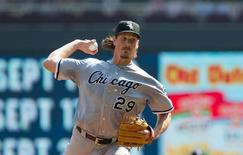 Chicago White Sox starting pitcher Jeff Samardzija (29) pitches in the first inning against the Minnesota Twins at Target Field. Brad Rempel-USA TODAY Sports