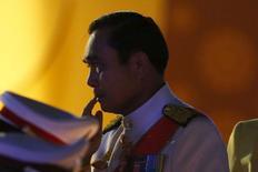 Премьер-министр Таиланда Прают Чан-Оча на церемонии празднования дня рождения короля Пхумипона Адульядета в Бангкоке 5 декабря 2015 года. Премьер-министр Таиланда генерал Прают Чан-Оча выпустил новую патриотическую балладу, уже вторую с момента прихода к власти в результате военного переворота в 2014 году. REUTERS/Jorge Silva