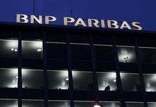 A BNP Paribas sign is pictured on a building of the bank in Geneva November 26, 2014.  REUTERS/Denis Balibouse