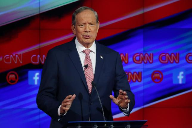 George Pataki delivers his opening statement during a forum for lower polling candidates.   REUTERS/Mike Blake
