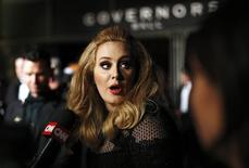 Adele, em Hollywood 24/2/2013 REUTERS/Lucas Jackson