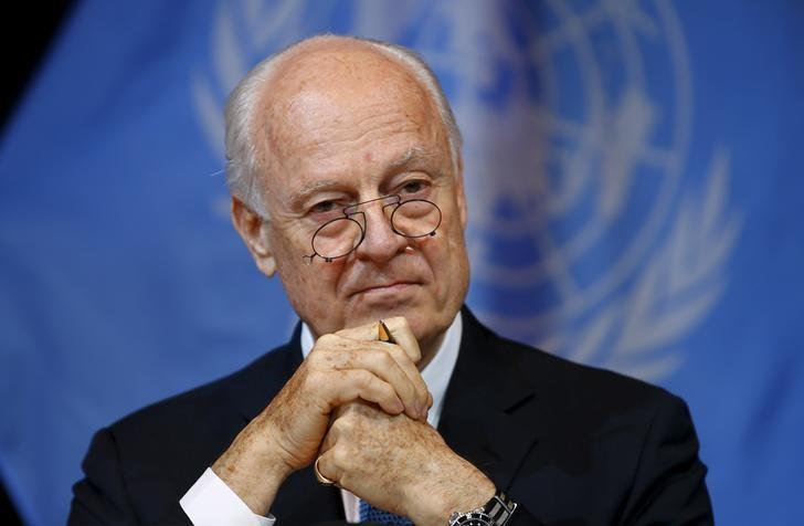 UN Envoy for Syria Staffan de Mistura addresses the media in Vienna, Austria, November 14, 2015. REUTERS/Leonhard Foeger/Files
