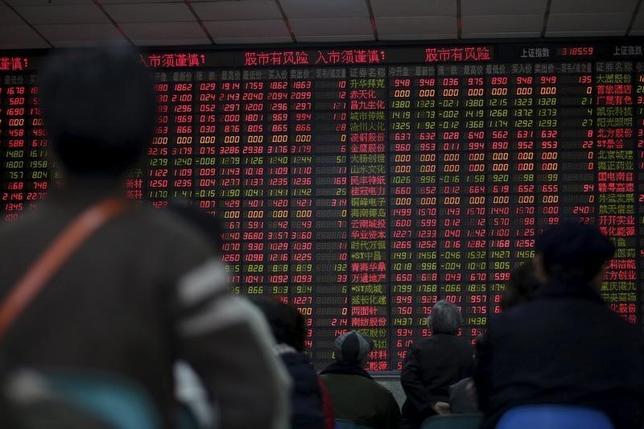 1月8日、中国株式市場は反発し、2%高で取引を終了した。上海で撮影(2016年 ロイター/Aly Song)