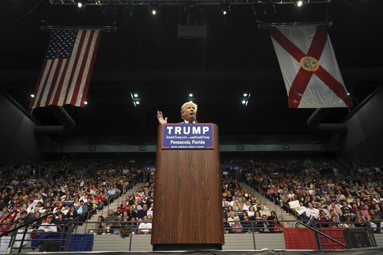 U.S. Republican presidential candidate Donald Trump addresses supporters during a campaign rally at the Pensacola Bay Center in Pensacola, Florida January 13, 2016.   REUTERS/Michael Spooneybarger