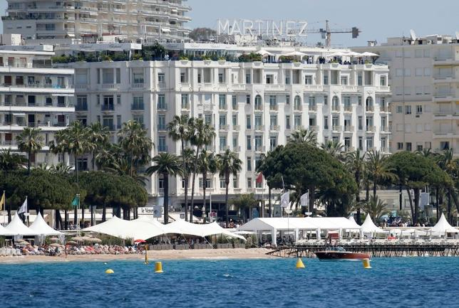 A general view shows the Grand Hyatt Cannes Hotel Martinez and beaches in Cannes, southern France, May 16, 2015.    REUTERS/Regis Duvignau