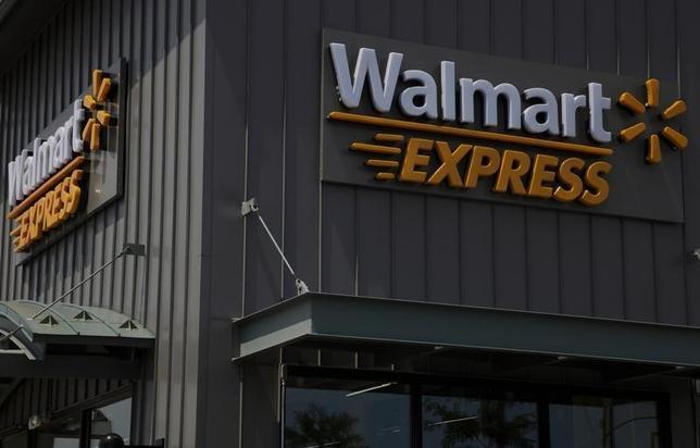 1月15日、米ウォルマート・ストアーズは、世界で不採算店舗269店を閉鎖すると発表した。写真は2011年、シカゴで撮影(2016年 ロイター/John Gress)