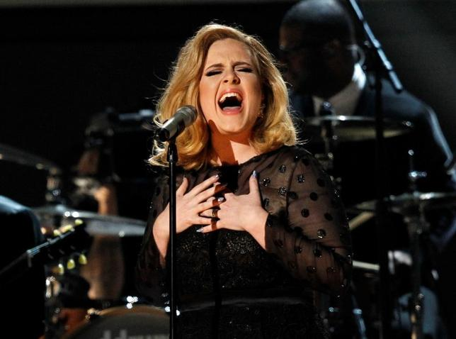 Adele performs ''Rolling in the Deep'' at the 54th annual Grammy Awards in Los Angeles, California, February 12, 2012.     REUTERS/Mario Anzuoni