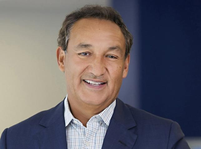 United Continental Holdings Inc CEO Oscar Munoz is seen in an undated handout picture courtesy of United Airlines. REUTERS/Courtesy of United Airlines/Handout