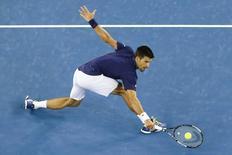 Tenista sérvio Novak Djokovic durante partida no Aberto da Austrália.   22/01/2016    REUTERS/Jason O'Brien