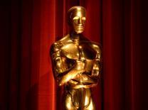 Una estatua del Oscar exhibida durante el anuncio de las nominaciones a la octagésima octava de los Premios de la Academia en Beverly Hills, California. 14 de enero, 2016. La Academia de Ciencias y Artes Cinematográficas de Estados Unidos, que organiza la premiación anual de los Oscar en Hollywood, se comprometió el viernes a duplicar la participación de mujeres y minorías para el 2020. REUTERS/Phil McCarten