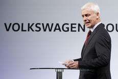 Volkswagen CEO Matthias Mueller speaks at their media reception during the North American International Auto Show in Detroit, Michigan, January 10, 2016. REUTERS/Mark Blinch