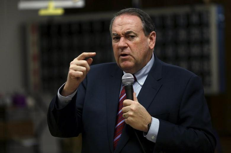 U.S. Republican presidential candidate former Governor Mike Huckabee speaks during a ''Huckabee Huddle'' campaign event at the Marshalltown Senior Citizens Center in Marshalltown, Iowa January 27, 2016.    REUTERS/Carlos Barria . SAP is the sponsor of this coverage which is independently produced by the staff of Reuters News Agency.