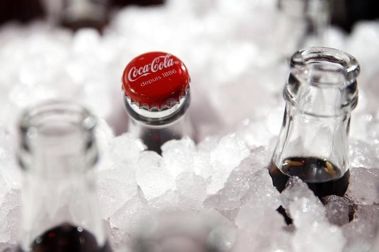 Bottles of Coca-Cola are pictured during a presentation in Paris, France, January 19, 2016.  REUTERS/Benoit Tessier