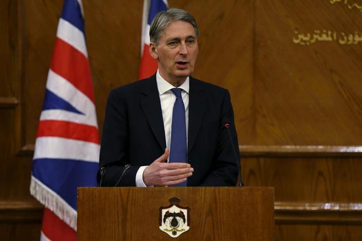 Britain's Foreign Secretary Philip Hammond speaks during a joint news conference with Jordan's Foreign Minister Nasser Judeh at the Foreign Ministry in Amman, Jordan, February 1, 2016. REUTERS/Muhammad Hamed