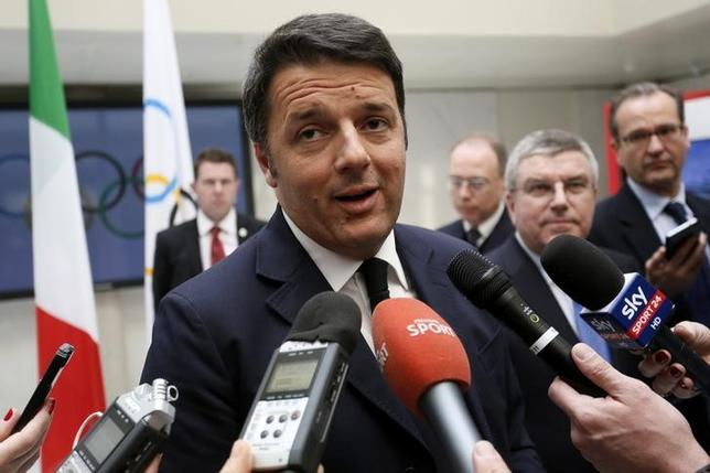 Italian Prime Minister Matteo Renzi speaks to media during a visit to the International Olympic Committee (IOC) headquarters in Lausanne, Switzerland, January 21, 2016. REUTERS/Pierre Albouy