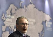 Russian exile, Mikhail Khodorkovsky, delivers a speech at Chatham House in central London, February 26, 2015.  REUTERS/Toby Melville (BRITAIN - Tags: POLITICS) - RTR4RBPK