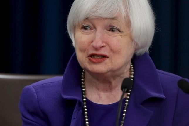 3月10日、米FRBのイエレン議長は、自国経済への世界リスク波及に警戒感を示した。写真はワシントンで昨年12月撮影(2016年 ロイター/Jonathan Ernst)
