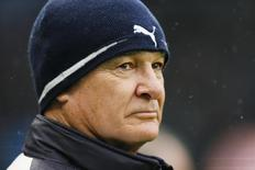 Técnico Ranieri em jogo do Leicester City contra o Manchester City.  6/2/16 Reuters/Jason Cairnduff