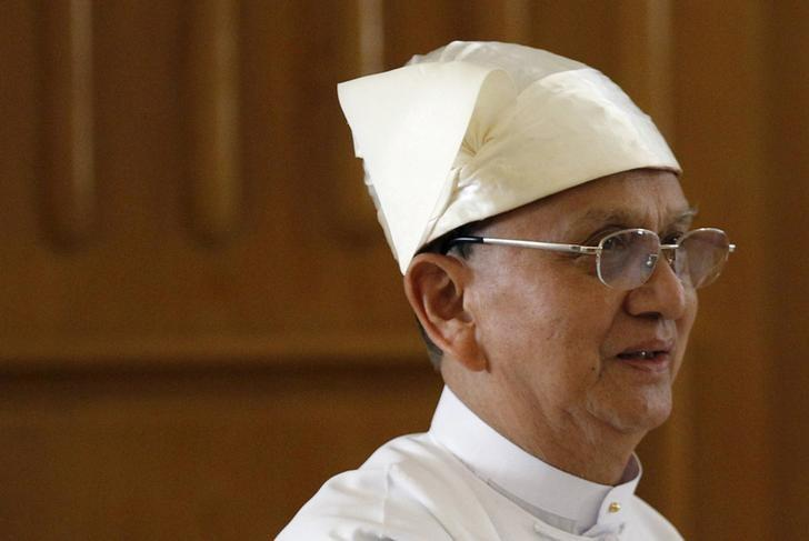 Myanmar's President Thein Sein arrives at the Union Parliament in Naypyitaw January 28, 2016. REUTERS/Soe Zeya Tun