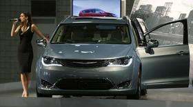 A 2017 Chrysler Pacifica is seen at the Washington Auto Show in Washington January 29, 2016.  REUTERS/Gary Cameron