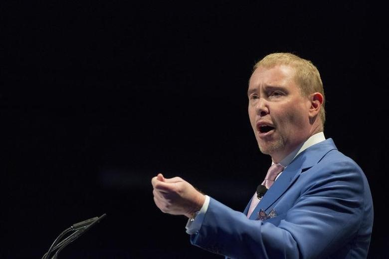 Jeffrey Gundlach, chief executive  officer of DoubleLine Capital,  speaks during the Sohn Investment Conference in New York May 4, 2015. REUTERS/Brendan McDermid